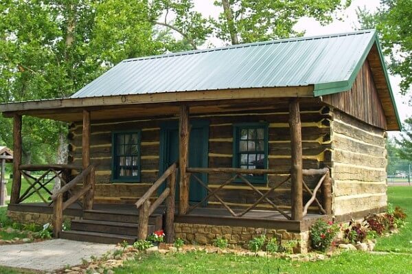 11 totally free diy log cabin floor plan prepper universe for Simple cabin plans 24 by 24